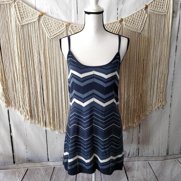 Guess Dresses & Skirts - GUESS Blue Chevron Sleeveless Tank Dress L